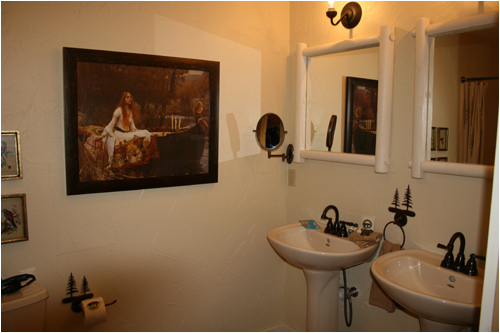 Large Bathroom on Main Floor With Walkin Shower